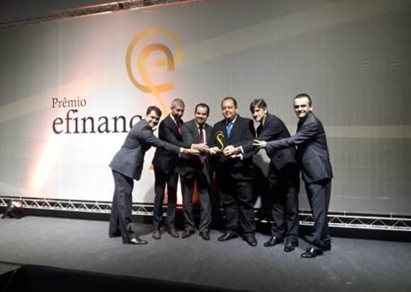 Sicoob lidera as categorias Canais e Open Banking do Prêmio efinance 2018