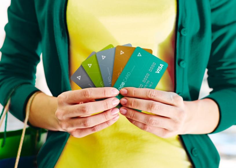 Cartão do Sicoob utiliza taxa do dia da compra desde seu lançamento