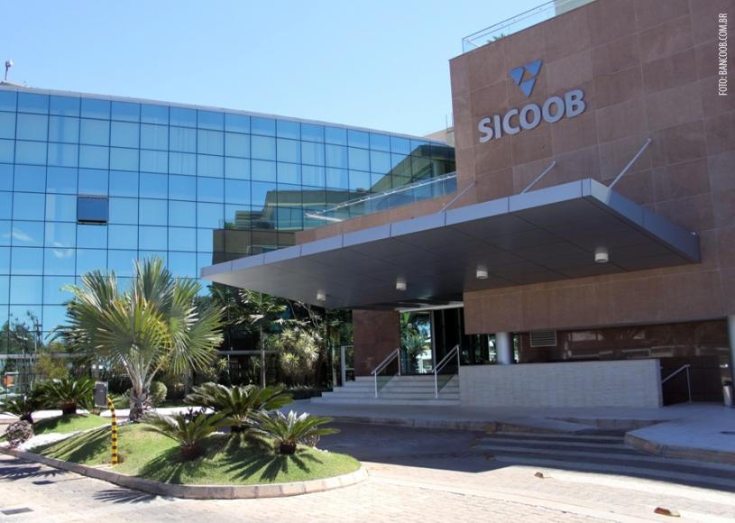 Sicoob está entre os 50 maiores grupos empresariais do Brasil, segundo guia